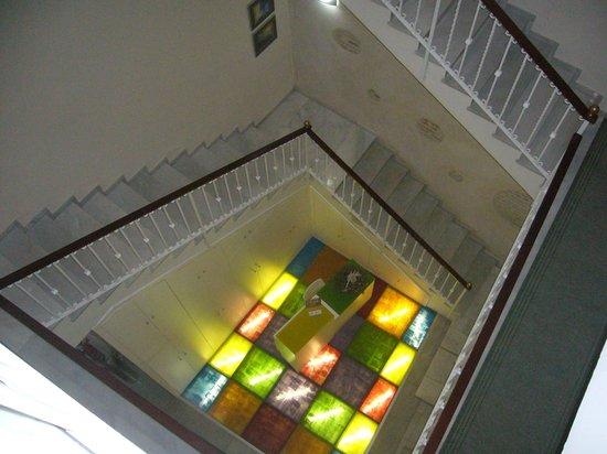 Hotel Dona Lola: Hall visto desde la 2ª planta
