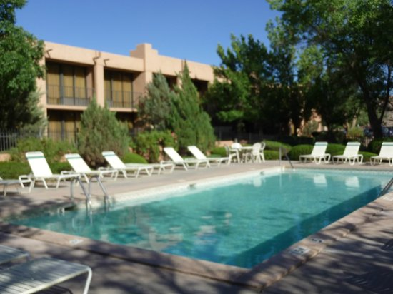 Holiday Inn Canyon de Chelly: HI Chinle pool