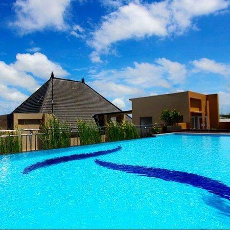 The Tusita Hotel: Sky High Pool View