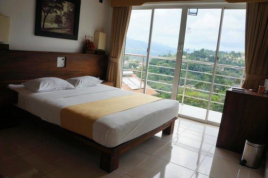 Senani Hotel: La chambre de jour