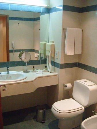 SANA Metropolitan Hotel : Baño