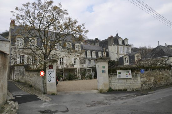 Hotel Diderot: Hotel from outside the entrance