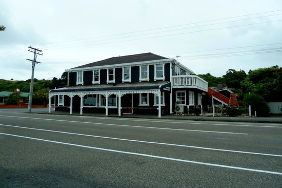 The beautiful colonial building of the Kaikoura Boutique Hotel
