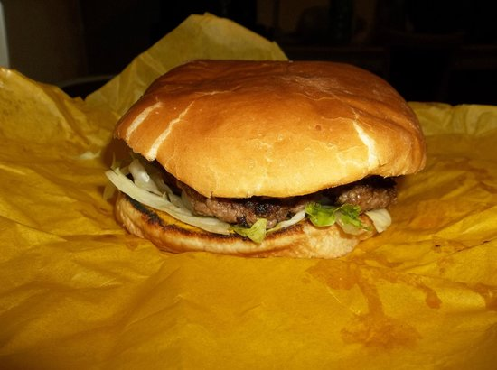 Hi-D-Ho Drive In: Tiger burger with Green Chile and Bacon