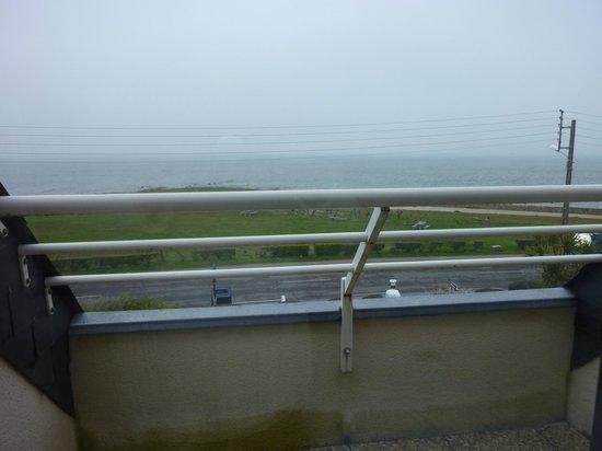 Castel Moor : Même avec un temps très couvert on voit la mer
