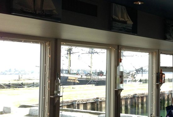 Capt's Waterfront Grill : Views from dining room of Capt's Waterfront