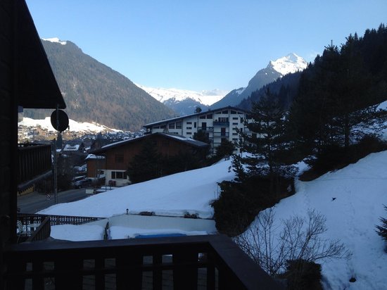 Chalet Hotel StarLight : The Alps and Morzine from our balcony