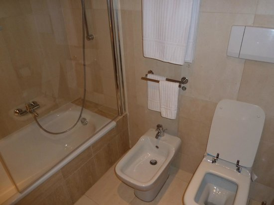 Barocco Hotel: bathroom