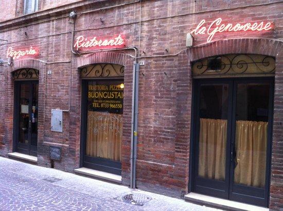 Ristorante La Genovese: L'ingresso del ristorante