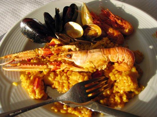 Restaurant Des Port: En fantastiskt god paella.