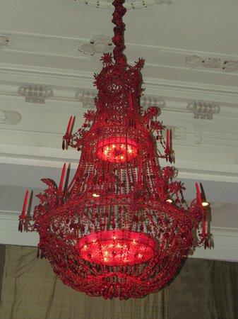 Savoy Hotel: Destaque para o grande lustre