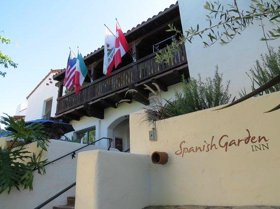 Spanish Garden Inn : Hotel entrance