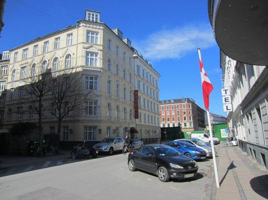 Hotel Tiffany : Exterior