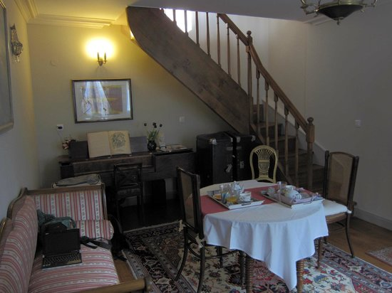 Le Petit Tertre : the living room downstairs