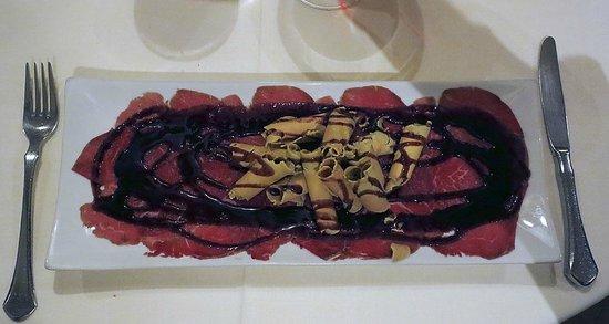 Restaurant Es Canyis: Beef Carpaccio with Foie Gras