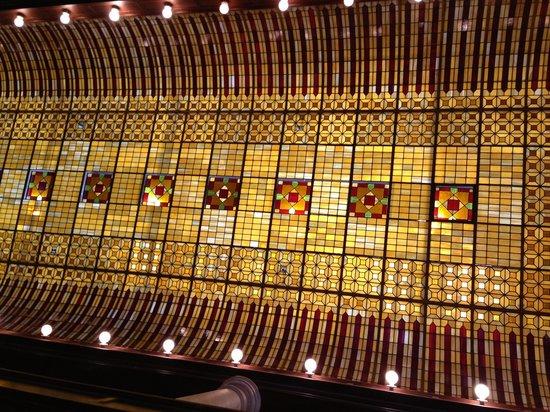 Hotel Boulderado: Ceiling of Hotel Bouderado Lobby