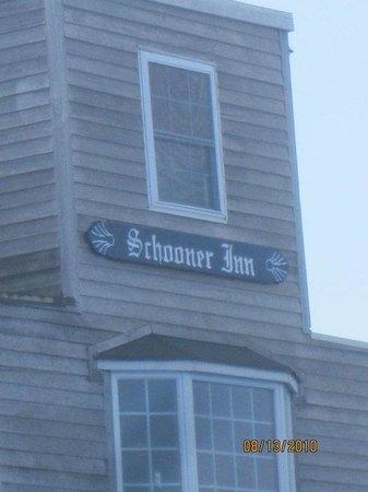 Schooner Inn: getlstd_property_photo