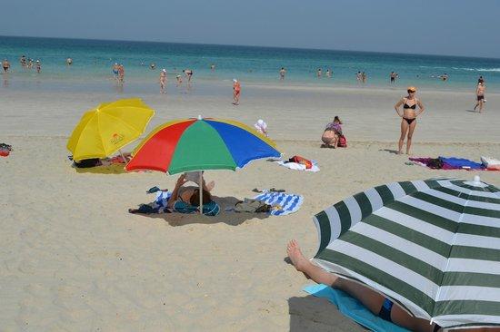 AlHamra Hotel: Муниципальный пляж