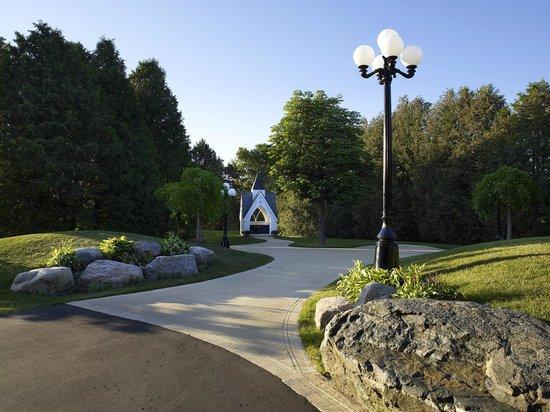 Royal Ashburn Golf Club : Woodlands Bridal Gazebo