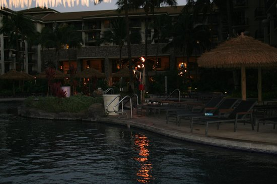 The Westin Kaanapali Ocean Resort Villas: Pool at night