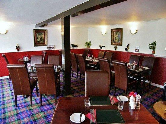 Black Bull Hotel: Main Restaurant