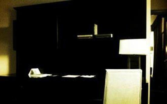 Hotel Blackhawk, Autograph Collection: 7