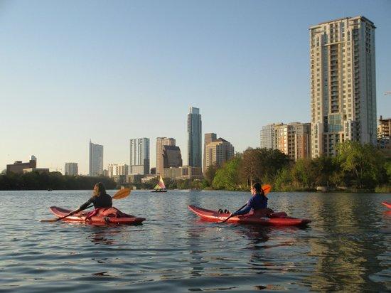 Live Love Paddle: Kayak tour to Congress bridge