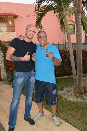 Pedrito Hostal: Pedro und meine Wenigkeit
