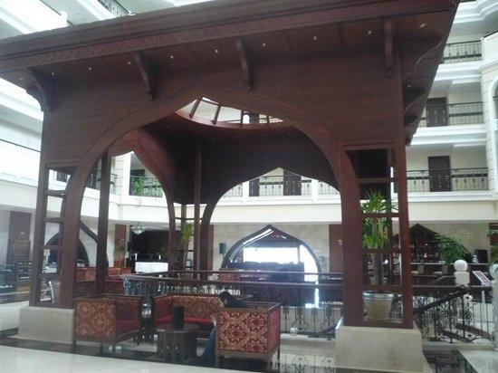 Crowne Plaza Hotel Antalya: Ground floor