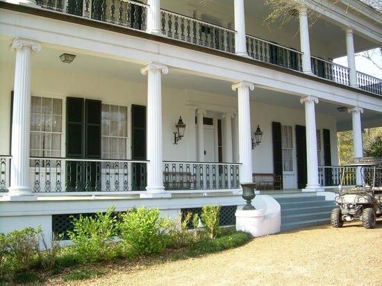 Brandon Hall Plantation: Front entry