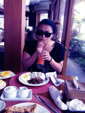 Boracay Beach Club: HER BREAKFAST :)