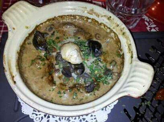 La table du berger: cocotte escargots morilles