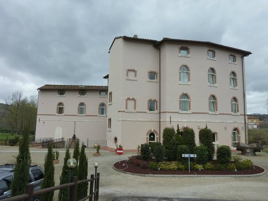 Hotel Certaldo: ingresso e corpo principale