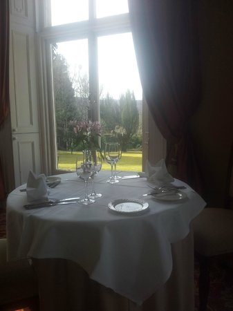 Coul House Hotel: A very special place - lovely dining room
