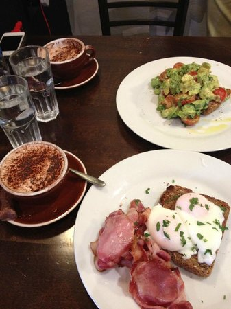 Gourmet Stay: breakfast at the cafe
