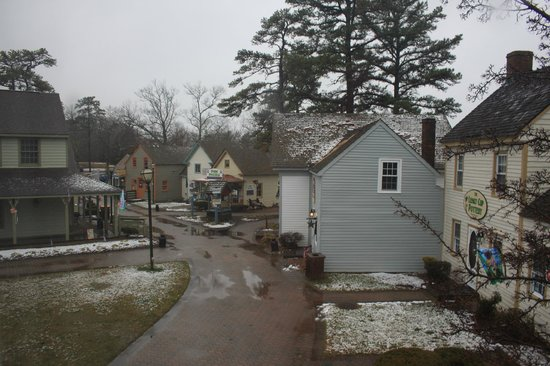 The Colonial Inn at Historic Smithville: Looking south from the bedroom