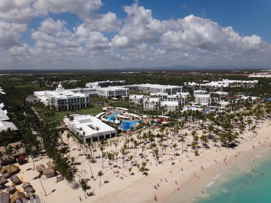 Hotel Riu Palace Bavaro: Hotel from above