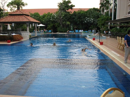 Hotel Somadevi Angkor Resort & Spa: Outdoors and in the back