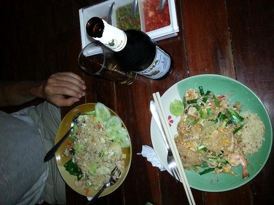 Su Chilli : duck fried rice and prawn pad thai