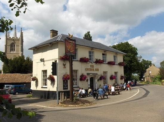 Anchor Inn: riverside pub and dining