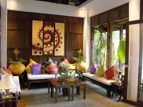 Legendha Sukhothai: Petit salon à la réception