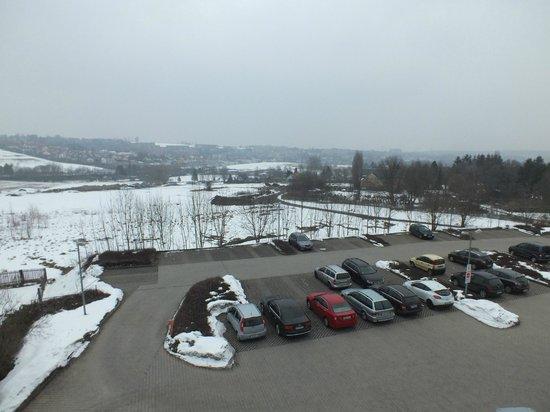 Hotel Ilmenauer Hof: View over the car park