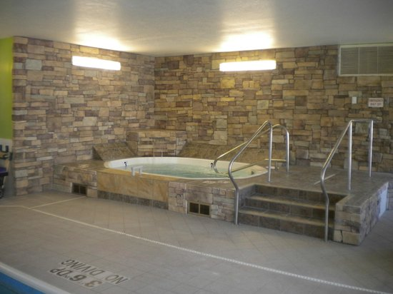 Baymont Inn & Suites Mankato: Whirpool