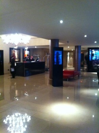 The May Fair Hotel: Hotel Reception / Lobby