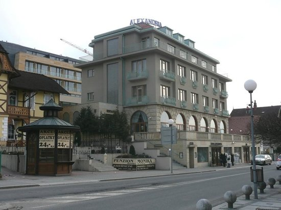 Hotel Alexandria: Masaryk street - you arrive from Uhersky Brod from front site