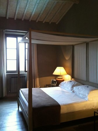 Hotel Villa Sassolini: Perfect bed