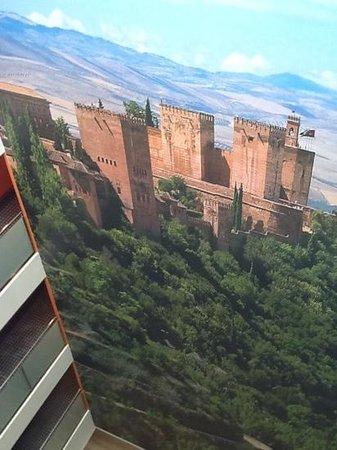 Hotel Macia Real de la Alhambra: near the Alhambra