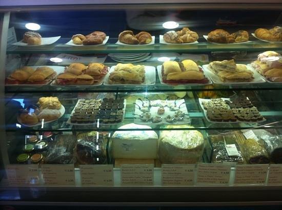 Snack Bar Esso: vetrina dei sapori