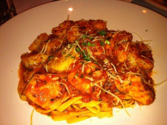 Joe Theismann's Restaurant : Seafood Pasta