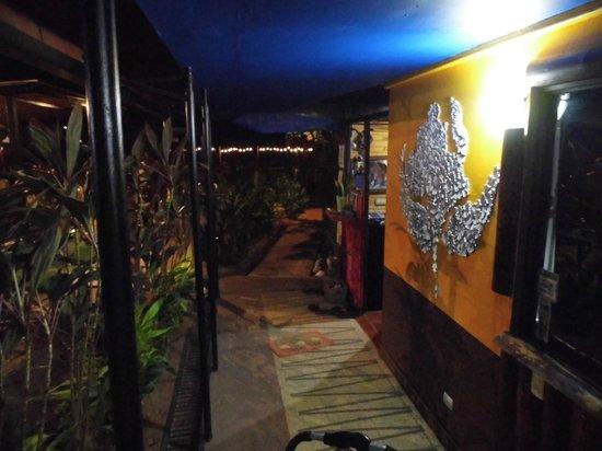Hotel Villa Amarilla: Reception desk